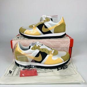 Nike V-Love O.X